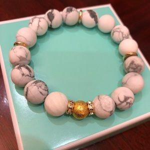 Jewelry - White Howllite bracelet